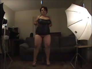 chubby amateur slut strip dance